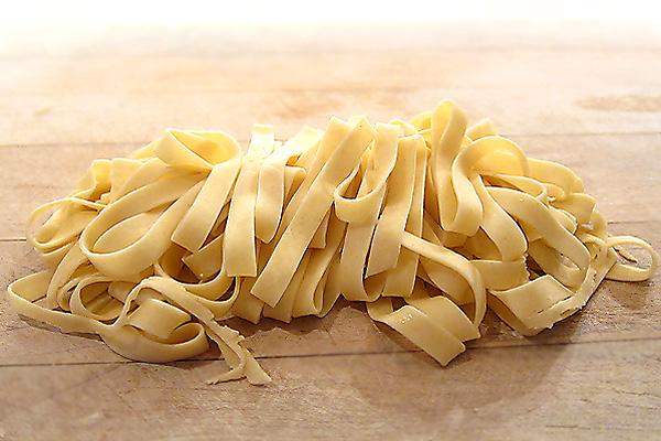 Pasta zelf maken - Recepten en kooktips voor klassieke gerechten en ...