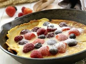 pannenkoek met rood fruit