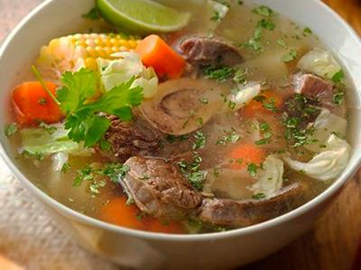 soep maken met een schenkel